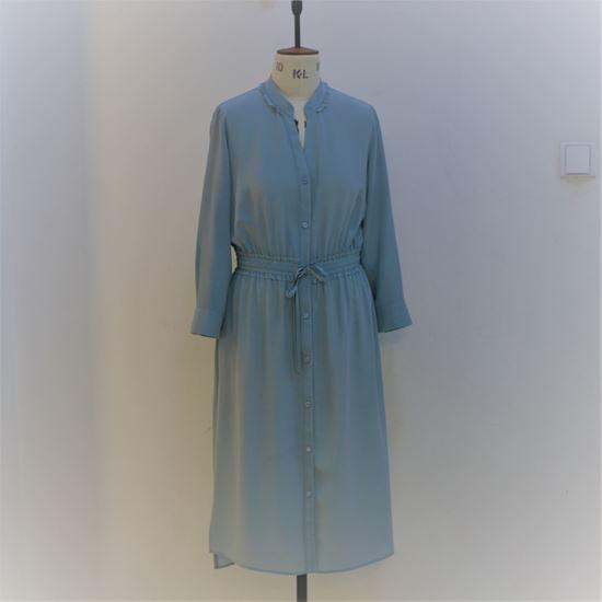 Obrázek z Hedvábné šaty s ozdobnými kanýry