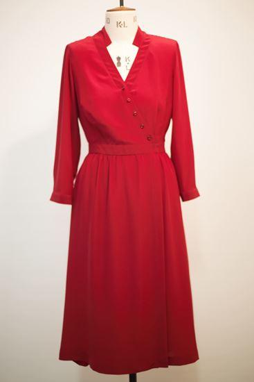 Obrázek z Červené hedvábné šaty