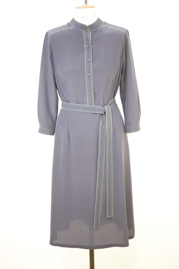 Obrázek z Hedvábné šedé prošívané šaty