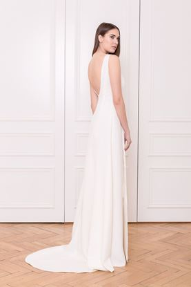Picture of Backless wedding dress with train