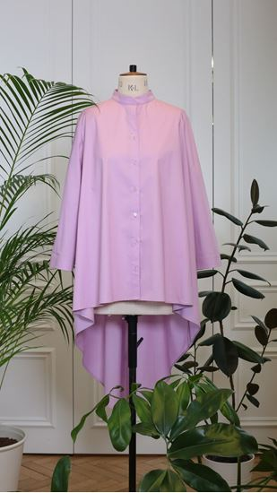 Picture of Lila back curved hem shirt