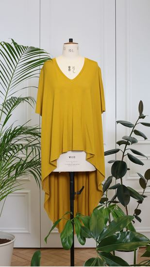 Picture of Back curved hem top mustard