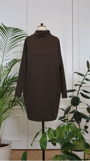 Picture of Basic turtleneck dress brown