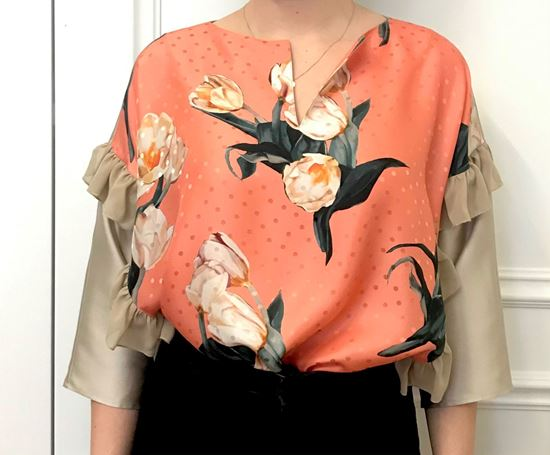 Picture of Silk blouse with flower print