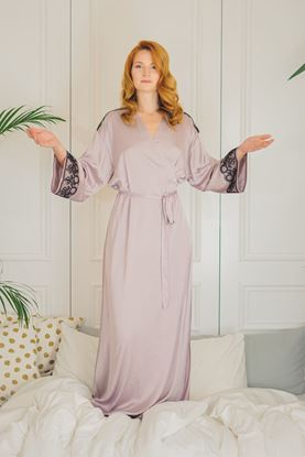 Picture of Gown with lace lila